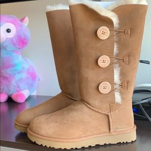 """Brand New UGG! With tags and all stickers """"No box"""""""